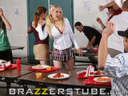 Hardcore high school food fight!