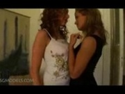 2 hot chicks playing