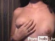 Slave_4U from Pornhublive Shows Off Body & Plays W/ Toy
