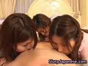 Japanese sluts take turns to suck fat part1