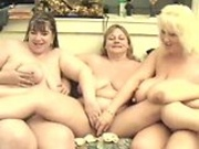 Daphnestones try to play with the two lesbian bbw