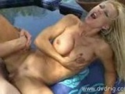 Super slut Amber lynn performs for pussyman