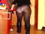 http://traceyannewsinger.blogspot.com see me :)