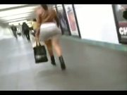 UPSKIRT IN METRO NO PANTIES