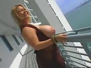 Those are some bigtits