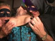 Big clit masked MILF cums like crazy in Trapeze swingclub