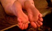 BBW Wife Flexing toes!!