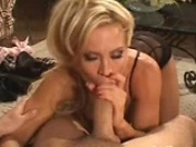 Amber Lynn suckin his dick