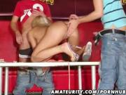 Amateur girlfriend double penetration in a swingers club