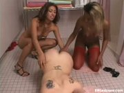 Hot black and white lesbian threesome