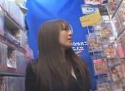 Hitomi Tanaka Hot Asian babe shows off