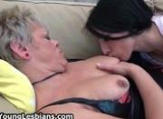 Mature lady gets her pussy licked