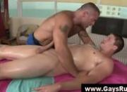 Bear masseur fucked by straight guy