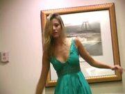 Carli Banks masturbates at Hawaiian hotel