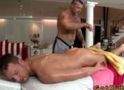 Hunk gets amazing gay massage