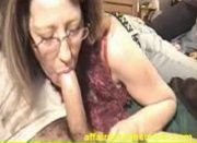 Amateur Older Lady Cheats on Husband By Sucking A Mean Dick