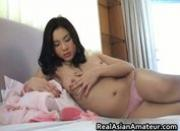 Cute asian amateur fucks herself
