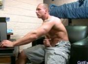Muscled dude wanking