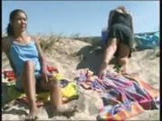 beach pissing