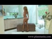 Anita Dark - Striptease