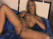 Dirty Regina Ice Dildos Her Tight Pussy