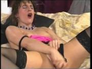 She Likes The Dildo - Julia Reaves