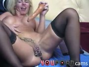 Doppel-Dildo in gepiercter Pussy - hardcore anal
