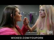 Sexy lesbian girlfriends finger fuck pussy