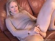 Super sexy older lady plays with her juicy pussy for you