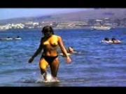 ABI-Nutte am Strand 01