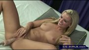 Blond girl penetrated by the orgasmatron