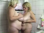 Two BBWs in the bathroom - Acheron