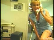 Blonde sexcretary gives good customer servicing