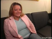 Hot MILF gets to know herself