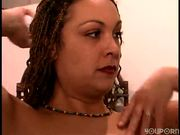 Shaving her pussy and under arms