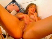 Webcam girl squirts