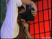Photographers work hands-on - DBM Video