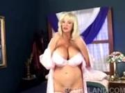 Mega boobs - Dee Dee Delux
