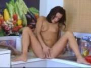 Teen Samantha posing on the kitchen floor - Banapro s.r.o.
