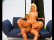 Dude Jizzes On His GF - Julia Reaves