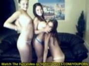 3 Hot Girls Shake Their Asses Naked On Webcam