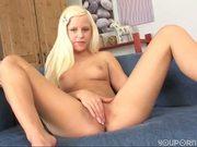 Sweet blonde Lola - Banapro s.r.o.