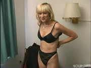 KARI the MILF Gets a facial