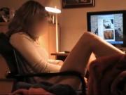 masturbation devant un film x