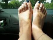 mature feet and toes