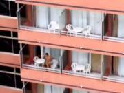 follando en el balcon del hotel 01