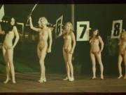 good femme nue in scene