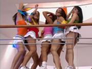 Bailando chicas de RBD y Yo Calificando su ropa interior