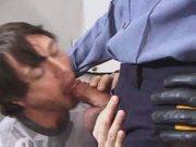 Follando duro con el policia cachondo