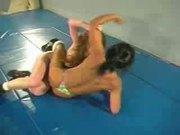 Lesbo Wrestle & Strapon Fuck